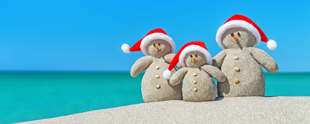 Sandy christmas snowmen